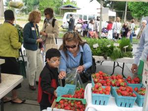 Shoppers at the Columbia City Farmers Market.